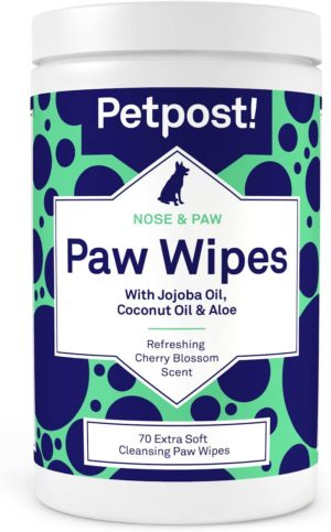 petpost paw wipes for dogs cleans and soothes itchy dog paws 70 ultra soft large cotton pads in coconut oil jojoba oil and aloe cleaner